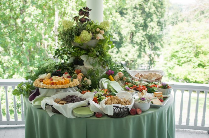 Hors D'Ouevres and Appetizer Stations
